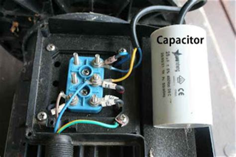 how to connect capacitor in water