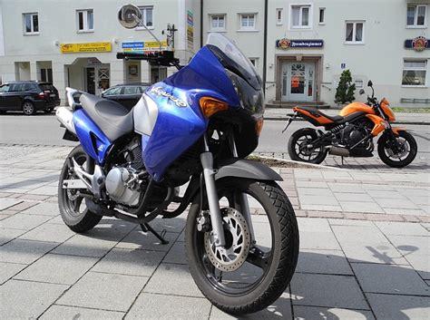 Motorrad Fahrschule Ottobrunn by Fahrzeuge In Neubiberg Kannst Du In Der Fahrschule