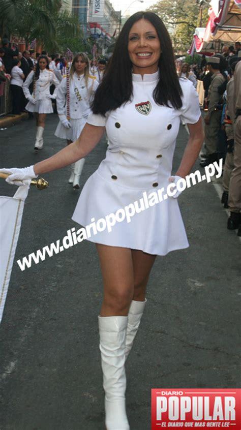 imagenes de desfiles escolares diario popular paraguay celita emocionada visti 243