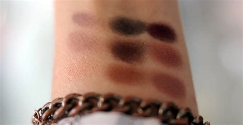 Eyeshadow X 9 Burgundy Times Nine Review review mac eye shadow x 9 burgundy times nine