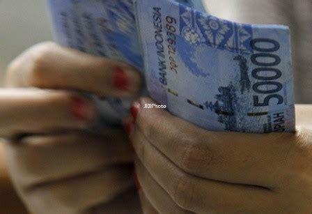 Buku Rupiah Meriah Dari Bisnis Biro Perjalanan rupiah melemah biro perjalanan pilih transaksi dengan dolar as news 187 harian jogja