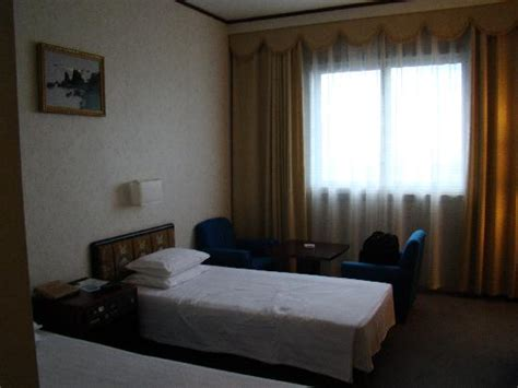 room review room picture of yanggakdo hotel pyongyang tripadvisor