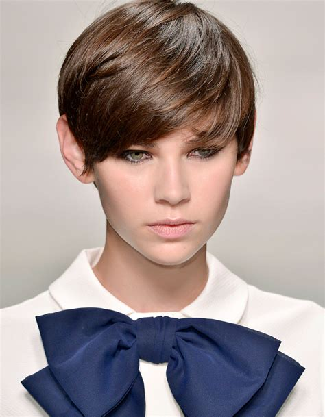 coupes cheveux courts coupe cheveux courts 2017