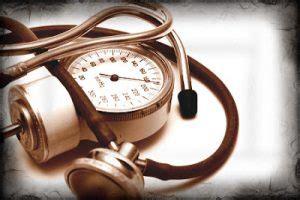 mal di testa e pressione alta pressione minima alta cause sintomi e rimedi