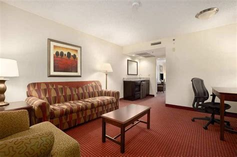 Rooms To Go Montgomery Al by Book Embassy Suites Montgomery Hotel Conference Center