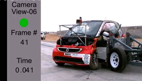 smart crash test smart fortwo electric drive scores 4 in nhtsa crash