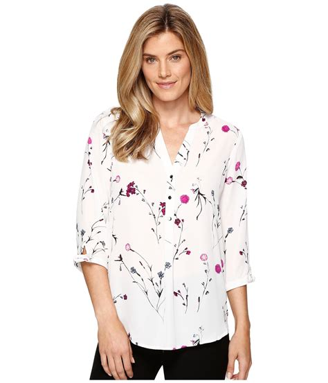 Trumpi Blouse ivanka ditsy floral georgette blouse in white lyst