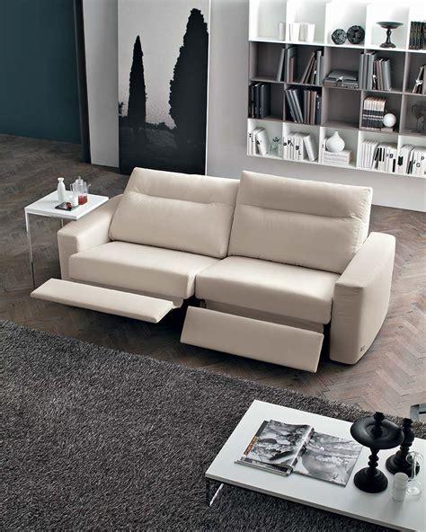 divano con meccanismo relax divani con meccanismi relax sempre pi 249 richiesti