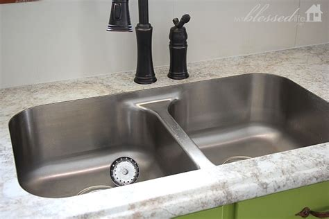 How To Change The Kitchen Faucet Beautiful Laminate Countertop With Undermount Sink