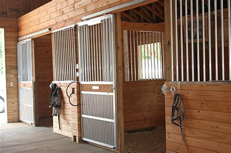 custome horse stalls tips  ordering horse stalls