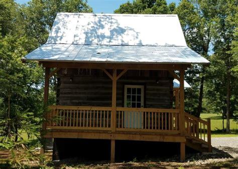 small log cabin   acre  land  original logs