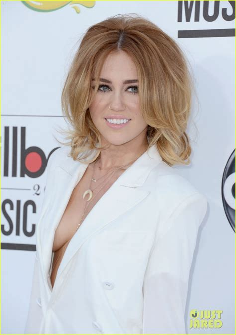 Miles Hit up Billboard 2012   Miley Cyrus Photo (31355257