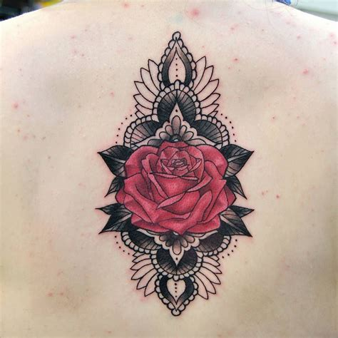 a fiddly little rose mandala style design that i did yest