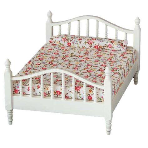 lit blanc personne