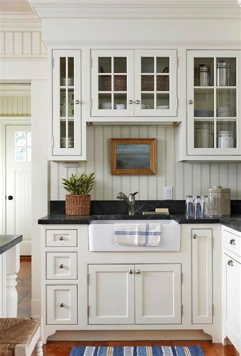 farmhouse style kitchen cabinets 1000 ideas about white farmhouse kitchens on pinterest