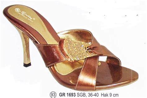 Fashion Wanita Wedges Silang M014 toko sepatu wanita sepatu boots wanita sepatu wedges