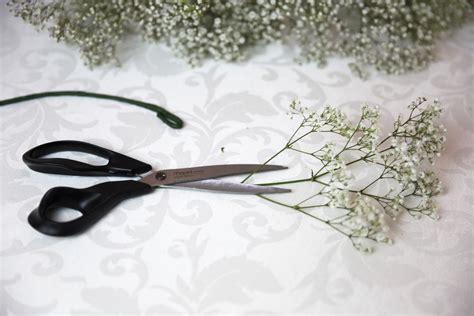 come fare una coroncina di fiori come fare una coroncina di fiori di gipsofila lifestyle