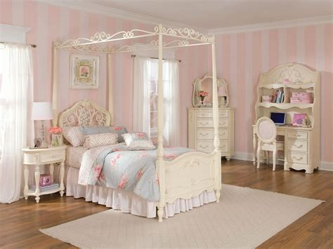 Canopy Toddler Bed Set Childrens Canopy Bedroom Sets 28 Images Wood Canopy Bedroom Sets Zin Room Zin Home Interior