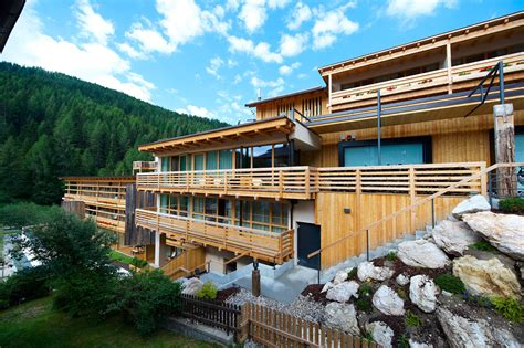 modern resort home design lagaci 195 179 mountain residence designed by n 195 182 sslinger hotel