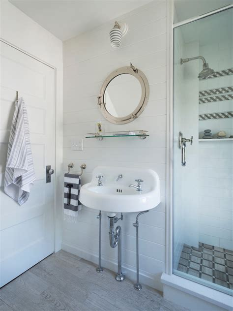 Striped Blue And White Towels Design Ideas