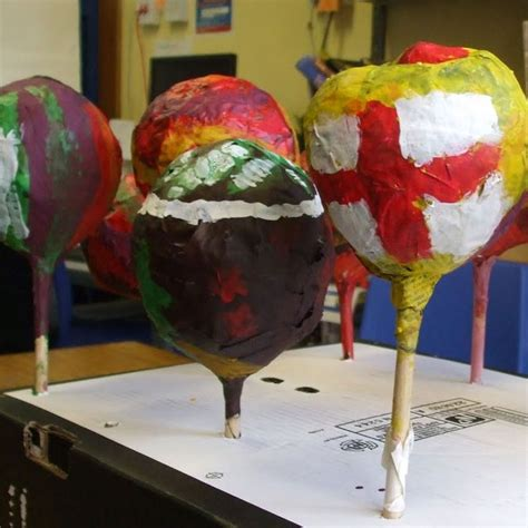 Paper Mache Crafts For Preschoolers - how to make maracas with balloons and paper mache lesson