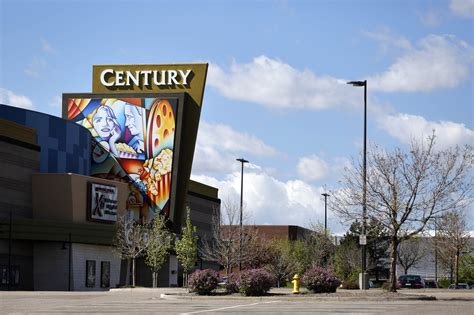 house boats colorado jury sides with cinemark in aurora colo shooting trial