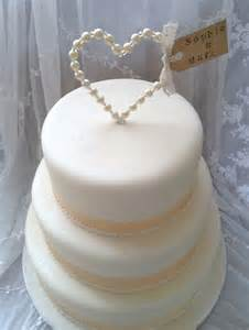 simple wedding cake toppers best 25 wedding cakes ideas on pastel wedding cakes white