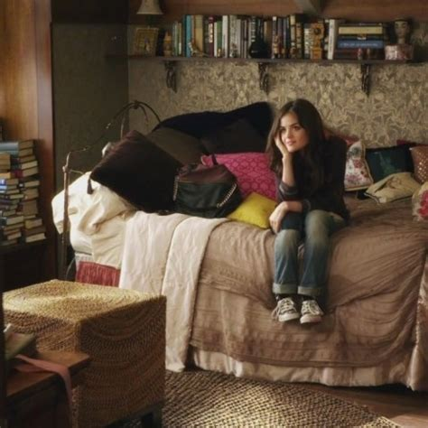 aria montgomery bedroom the lovely side aria s room pretty little liars decor