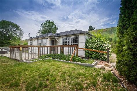 boise bench homes for sale boise bench cottage on 1 5 acre lot boise id 2444120 best price pynprice com