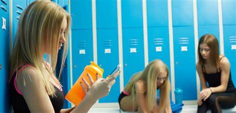 in womens locker room avoiding locker room germs