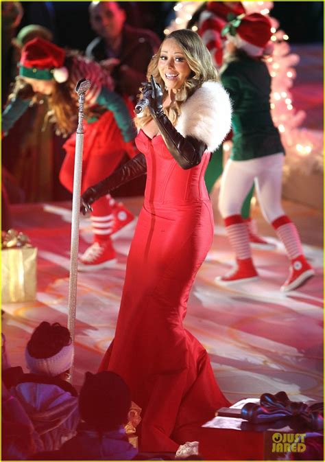 full sized photo of mariah carey rockfeller center