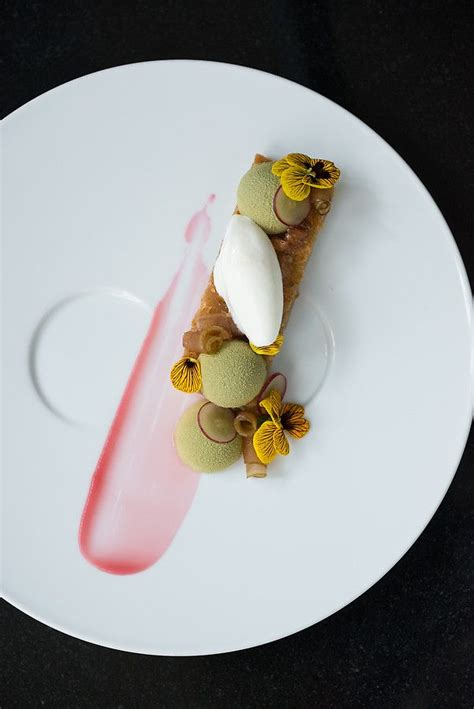 pastry chef leigh omilinsky caf 233 des architectes chicago il starchefs food