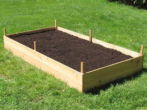 build  cedar raised garden bed dengarden