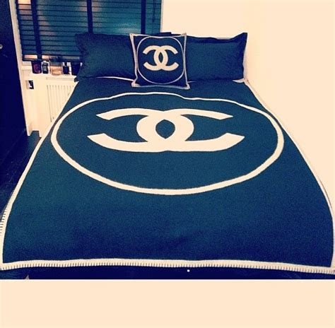 Set Choco Black chanel bed set on the hunt