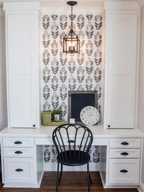 joanna gaines wallpaper photos hgtv s fixer upper with chip and joanna gaines hgtv