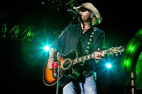 toby keith courtesy of the red white and blue lyrics toby keith to headline sturgis buffalo chip freedom