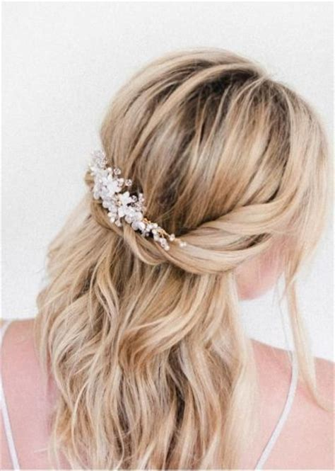 casual hairstyles with accessories why baby s breath is the best hair accessory bryllupsh 229 r