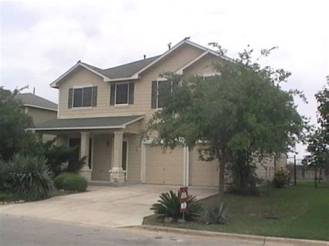 lovely home for lease in buda only 1425