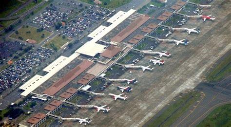 airasia ubah jadwal angkasa pura i ubah jam operasional bandara juanda