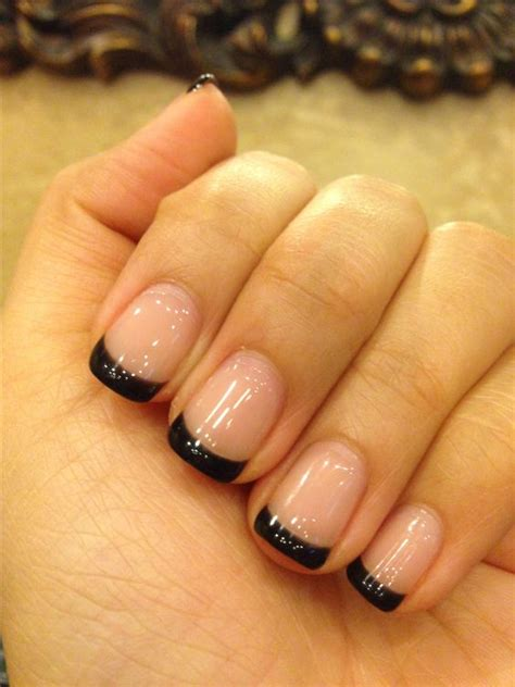 Slowly Transition Your Black Nails Into by Base With Black Gel Nails A Great Transition