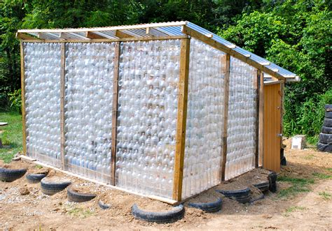 how to build a green home how to construct a greenhouse using free supplies ideas