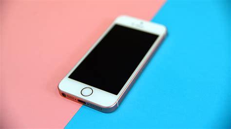 d iphone test de l iphone se puissance et 233 l 233 gance en taille r 233 duite tech numerama