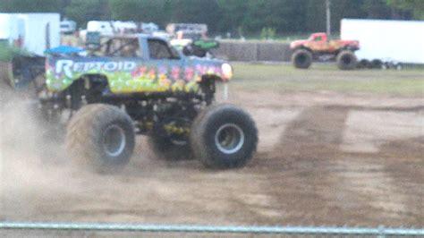 monster truck show michigan reptoid monster truck at the northwest michigan fair youtube