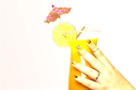 22017 Tropical Summer Sml souchka nail beaut 233 mode et lifestyle from with sous le soleil