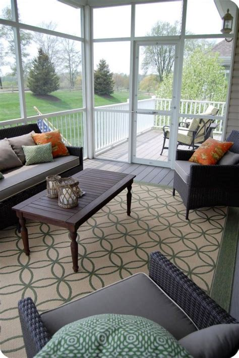 36 Comfy And Relaxing Screened Patio And Porch Design Screen Porch Furniture Ideas