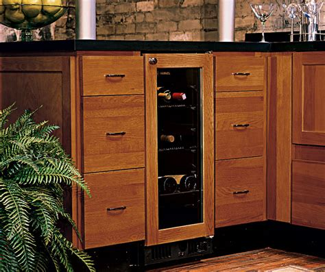 homecrest kitchen cabinets hickory kitchen cabinets homecrest cabinetry