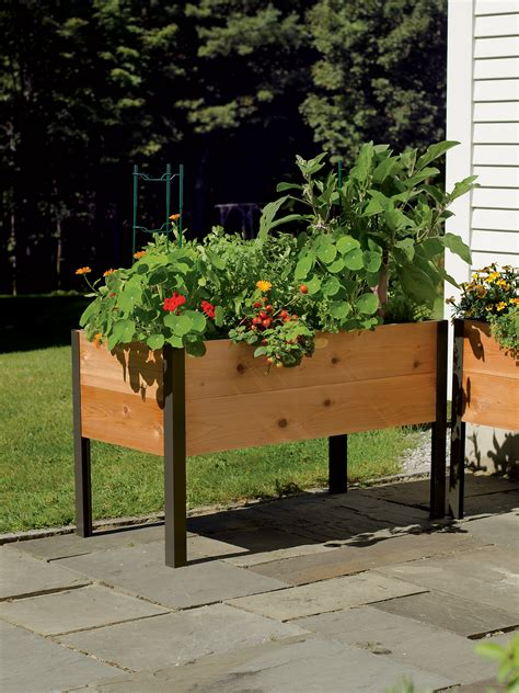 grow box    elevated cedar planter box   vermont