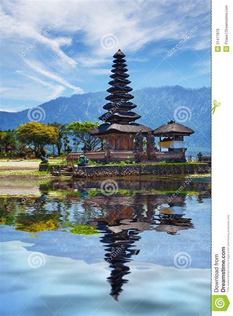 grand design hindu indonesia temple on bratan lake pura ulun danu bratan bali