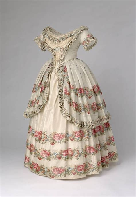 Victory Dress 25 best ideas about 1850s fashion on 1800s