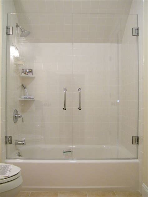 bathtub and shower ideas best 25 tub glass door ideas on pinterest glass bathtub